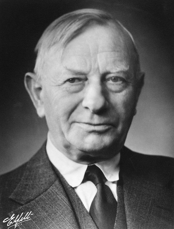 Arnold Peter Møller (1876-1965)